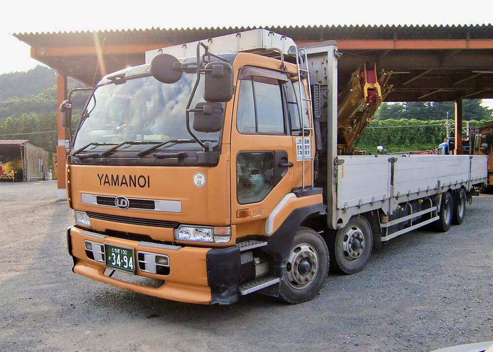 15t トラック(日産)